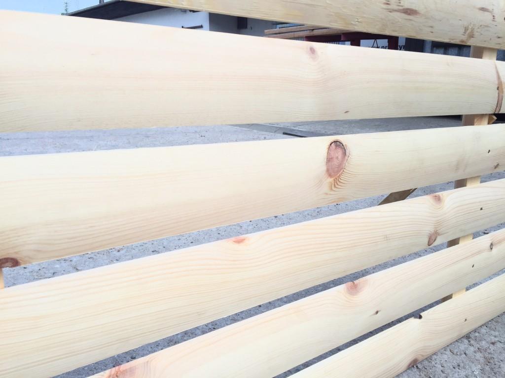 deska z drewna sosnowego